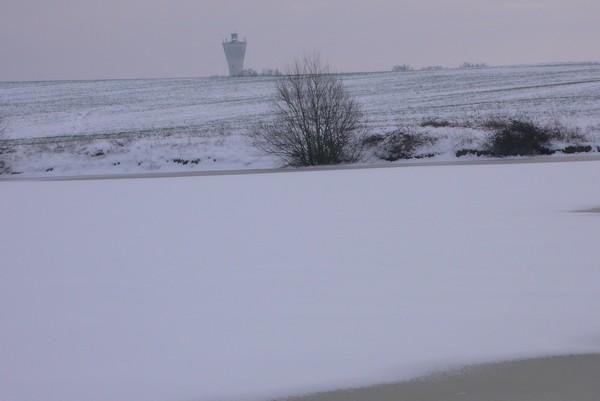 saisons/hiver-chateau-d-eau-enneige.jpg